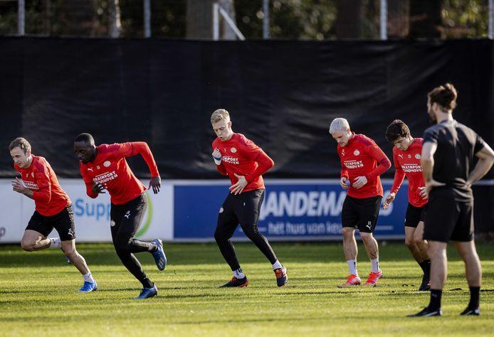 Mario Götze, Jordan Teze, Timo Baumgartl, Philipp Max en Érick Gutiérrez trainden woensdagmiddag op De Herdgang.