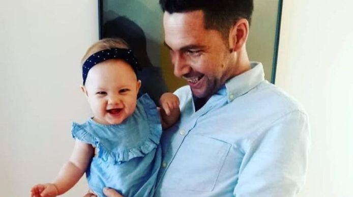 Wesley Halbach met zijn 2-jarige dochtertje.