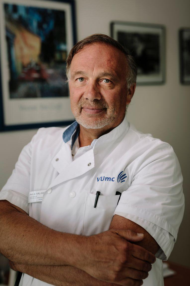 Armand Girbes: 'Je moet de zorgverleners binnenboord houden, je moet ze verleiden.' Beeld Marc Driessen