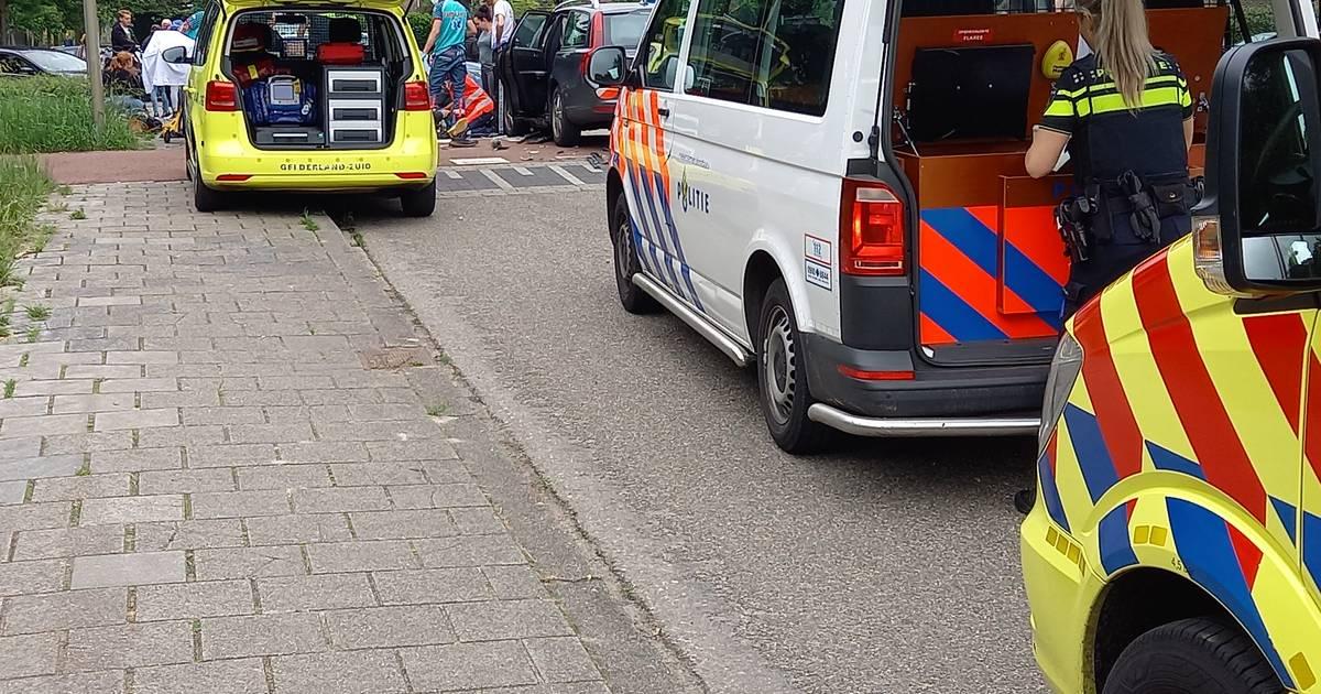 Scooterrijder zwaargewond bij aanrijding in Groesbeek.