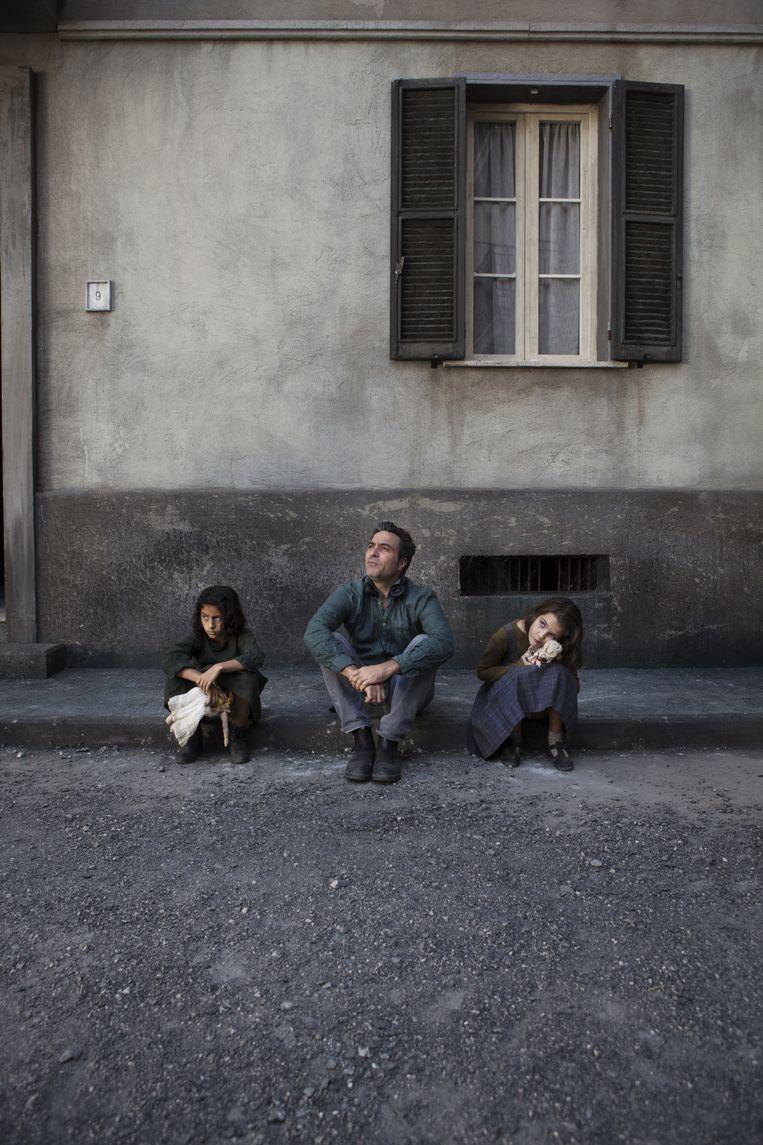 Uit My Briliant Friend: van links af Ludovica Nasti, Saverio Costanzo en Elisa Del Genio. Beeld Eduardo Castaldo
