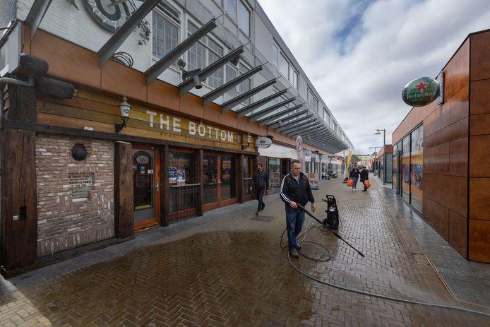 Uitgaanscafé The Bottom In Emmeloord is een paar maanden terug failliet verklaard.