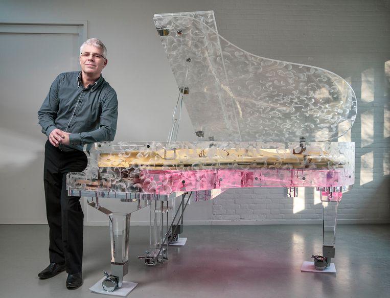 Peter Tol bouwt graag transparante vleugels, maar niet als het om witwassen gaat. Beeld Marco Okhuizen