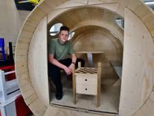 Leerlingen Munnikenheide in de prijzen met tiny house, meubels van afval en designlamp