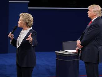 """Hij gaf me de kriebels"", zegt Clinton over debat met ""creep"" Donald Trump"