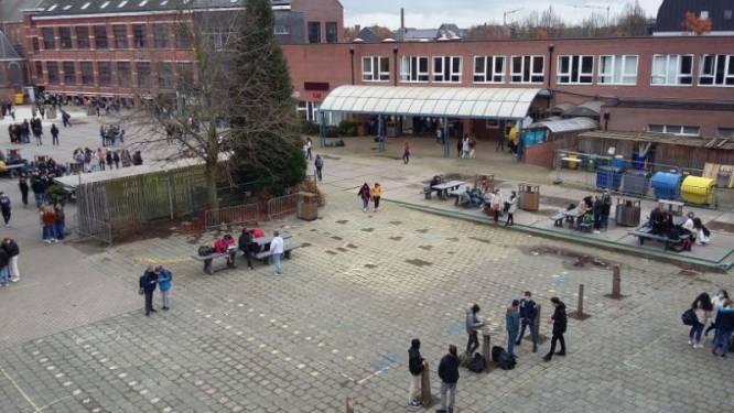 Meer dan 2.000 leerlingen en leerkrachten van scholen in Kontich en Edegem in quarantaine na besmetting met Britse variant: ook burgemeester Edegem in quarantaine