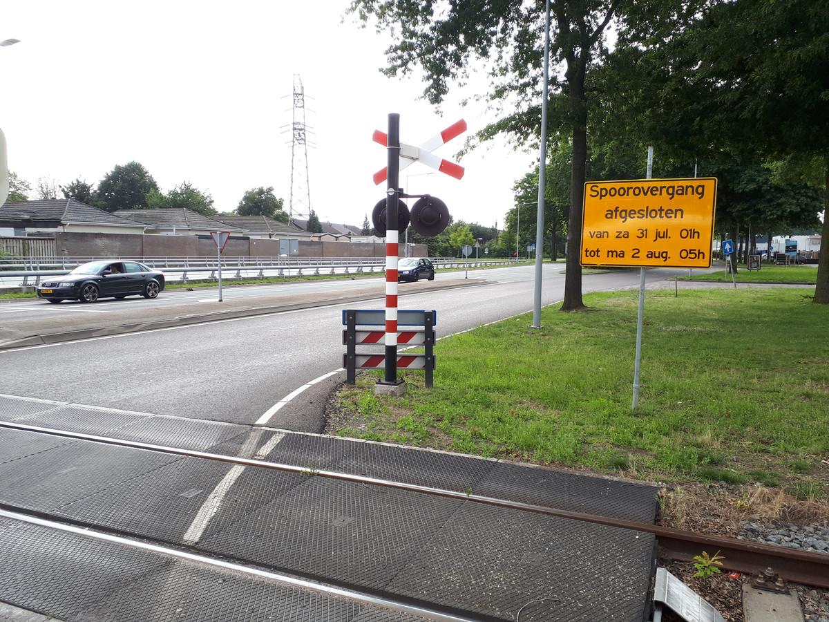Ook de overweg op de Singel 1940-1945 is komend weekeinde dicht voor werkzaamheden.