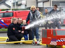 Brandweer zoekt huisvrouwen om branden te blussen