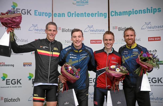 Yannick Michiels (links in beeld) met zilver.