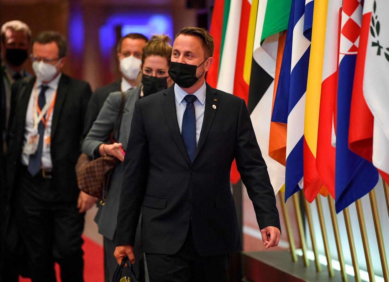 De Luxemburgse premier Xavier Bettel is positief getest op corona, kort na zijn aanwezigheid op een Europese top in Brussel.