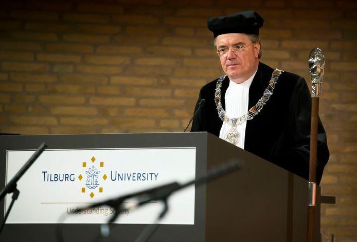 Oud-Commissaris van de koning Wim van de Donk bij zijn benoeming tot rector-magnificus van Tilburg University. Foto: Pix4Profs/Joyce van Belkom