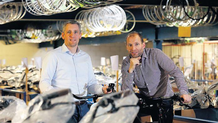 Alfred (links) en Raymond van der Heiden van BSP kunnen de vraag amper bijbenen.