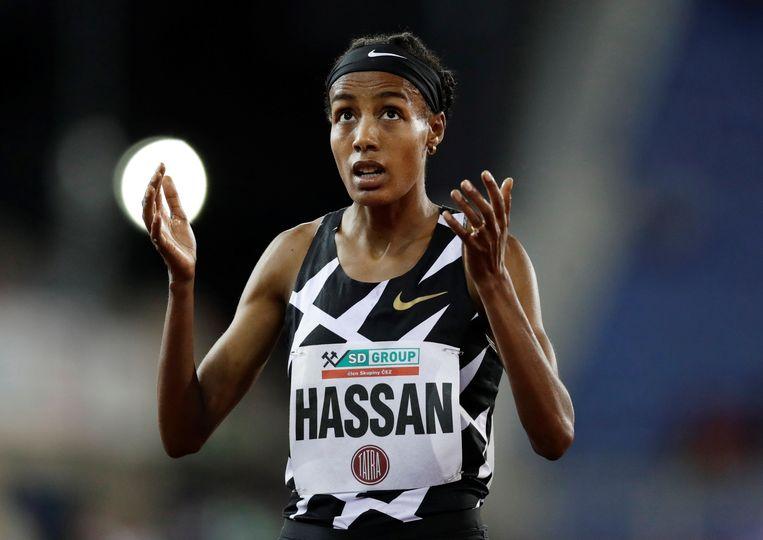 Sifan Hassan voor de start van de 5.000 meter vorig jaar in Ostrava.  Beeld REUTERS