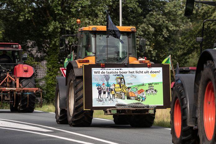 Boeren uit de Achterhoek zijn op weg naar Arnhem.
