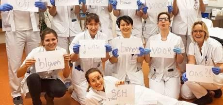 Groepen artsen plaatsen indrukwekkende oproepen: Blijven jullie binnen voor ons?