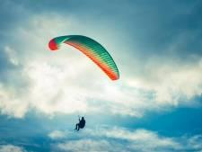 Un Australien de 91 ans survit à un accident de parachutisme