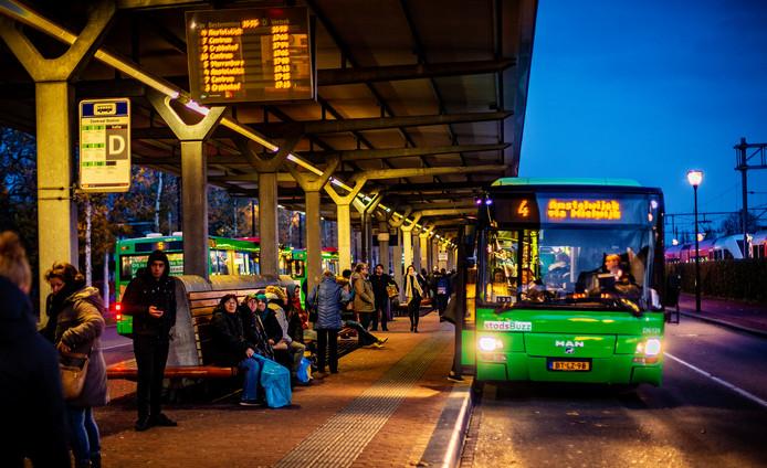 Qbuzz op het station in Dordrecht