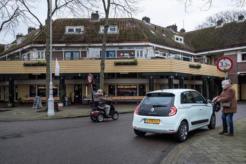 Het Zonneplein,  hart van Tuindorp Oostzaan, is flink veranderd.