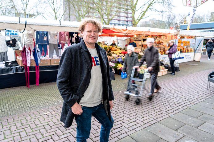 Donald van den Akker van Alex Energie op de weekmarkt in Het Lage Land.