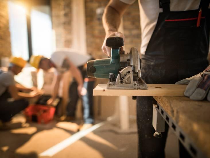 Werknemer overlijdt na val van vijf meter op betonnen vloer in Berkel-Enschot, baas krijgt taakstraf