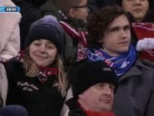 PEC-fan en huisgenote pakken hun moment tijdens FC Twente - RKC