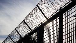 Man per ongeluk vrijgelaten in VS: echtgenote brengt hem terug naar gevangenis