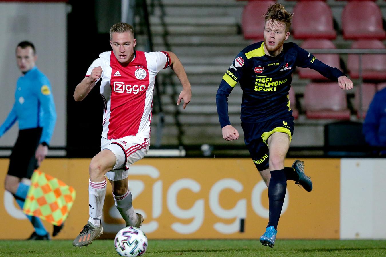 Helmond Sport pakte maandagavond een punt bij Jong Ajax.