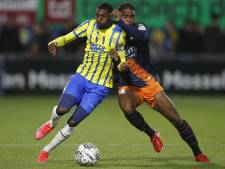 Bakari moest wéér wisselen van positie, dit keer noodgedwongen: 'Soms wel moeilijk'