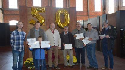 Betta-leden krijgen diploma voor aquarium