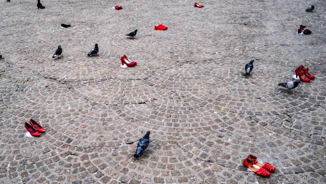 Vijfendertig paar rode schoenen voor dit jaar vermoorde zeventig vrouwen