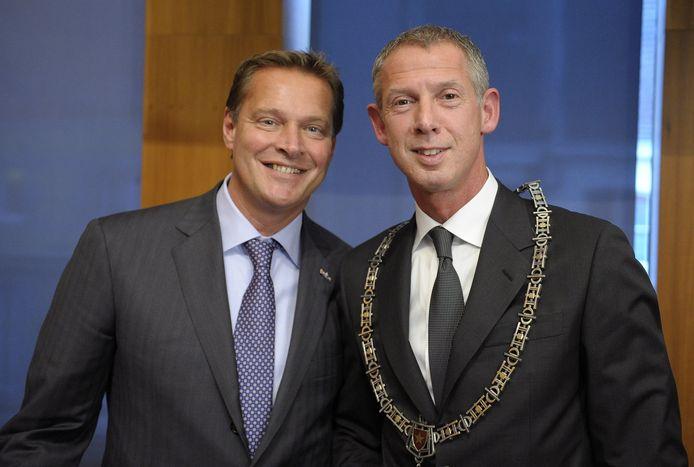 Verlinde en Hoes, na de installatie van Hoes als burgemeester van Maastricht, op 1 november 2010.
