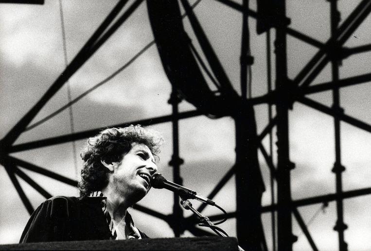 Bob Dylan als jonge artiest.  Beeld Photo News