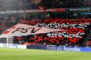 PSV-fans pepten hun team vooraf op.