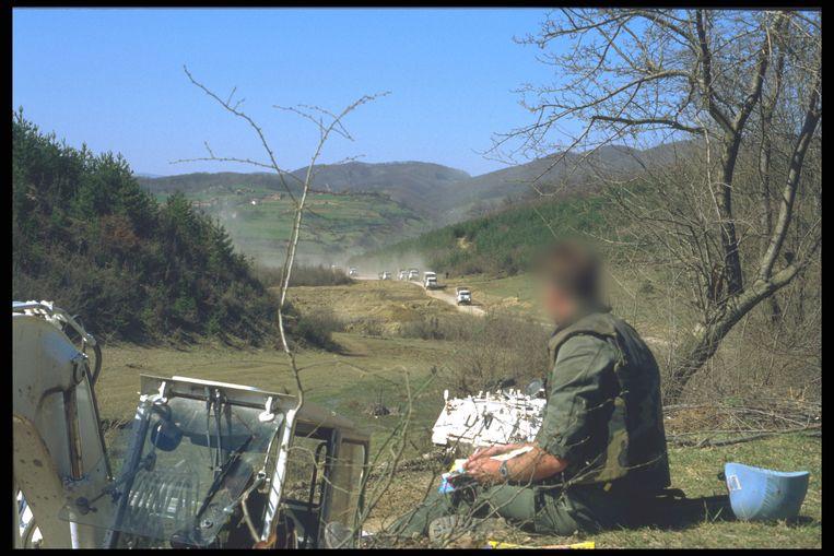 Een Belgische soldaat in Bosnië. 'Conflicten loste ik als burger op zoals in het leger: ik sloeg mijn kot kort en klein'  Beeld RV