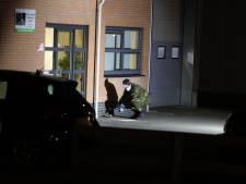 Explosief vernielt voordeur Zwols bedrijf: EOD onderzoekt projectiel