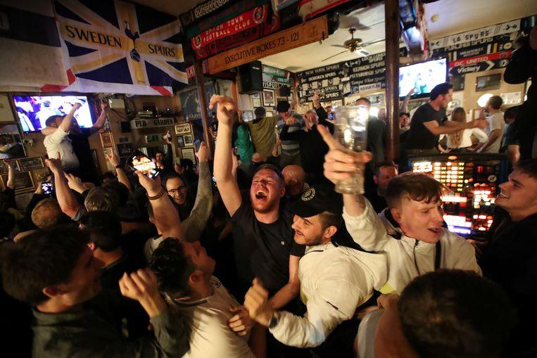 Juichende Tottenham-fans Beeld Action Images via Reuters