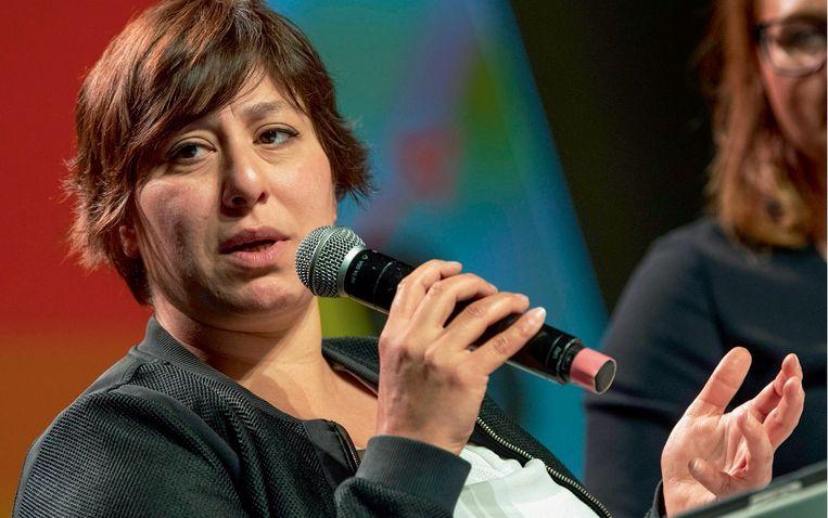 Tinneke Beeckman: 'Helaas heeft Groen met Meyrem Almaci een voorzitter die denkt dat je overtuigender wordt als je zo lang mogelijk blijft praten.' Beeld