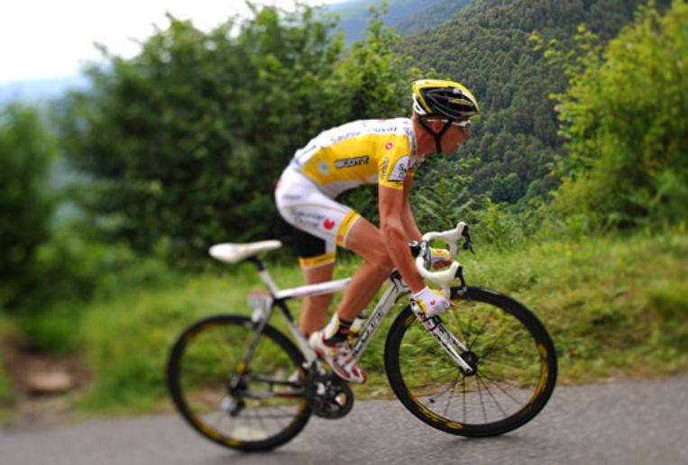 Riccardo Ricco, eerder al winnaar in Super-Besse, op weg naar zijn tweede Tourzege. Hij was het snelst zondag in de eerste Pyreneeënrit. (AFP) Beeld
