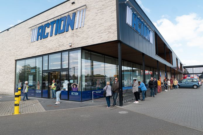 Alleen aan de Actionwinkel was het druk, rest van Aarschot lag er verlaten bij.