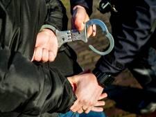 Man (24) uit Almere onder schot gehouden en gearresteerd