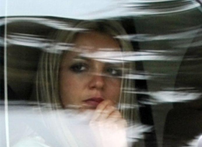 Mai 2008, Britney Spears quitte le tribunal après l'une des premières audiences où son père a été désigné tuteur de ses avoirs. Les raisons exactes de cette décision restent tues