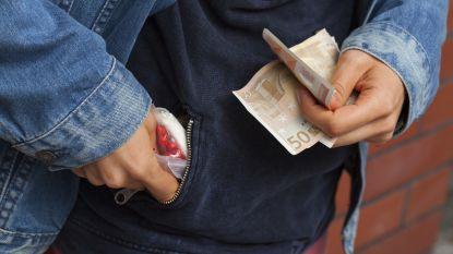 Drugsdealer betrapt met drugs in onderbroek: riskeert 15 maanden cel