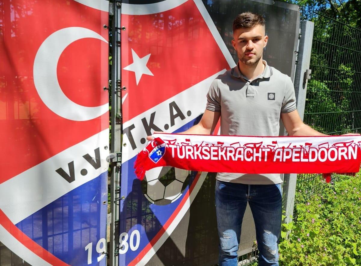 Fehim Begovic is alweer weg bij Apeldoornse Boys en speelt het komende seizoen voor competitiegenoot TKA.