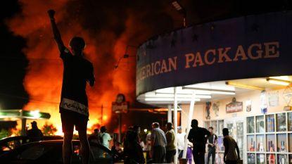 Restaurant in Atlanta waar zwarte arrestant stierf brandt af, politiechef neemt ontslag