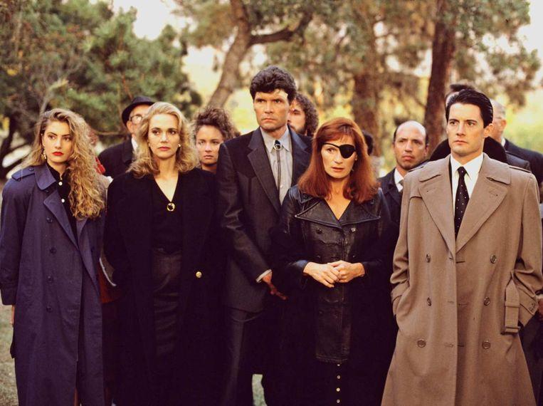 De oude Twin Peaks-cast met rechts Kyle MacLachlan als FBI special agent Dale Cooper. Beeld TR BEELD