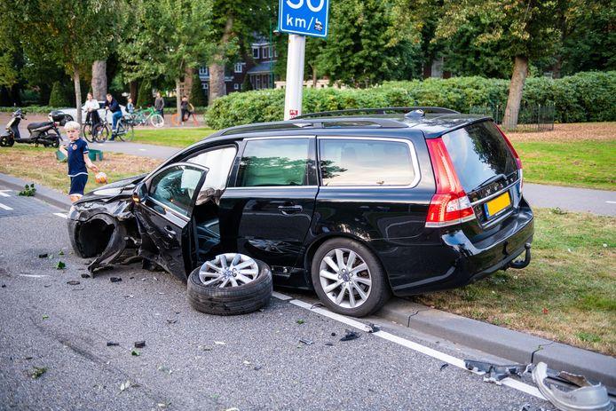 Zwaar beschadigde Volvo.