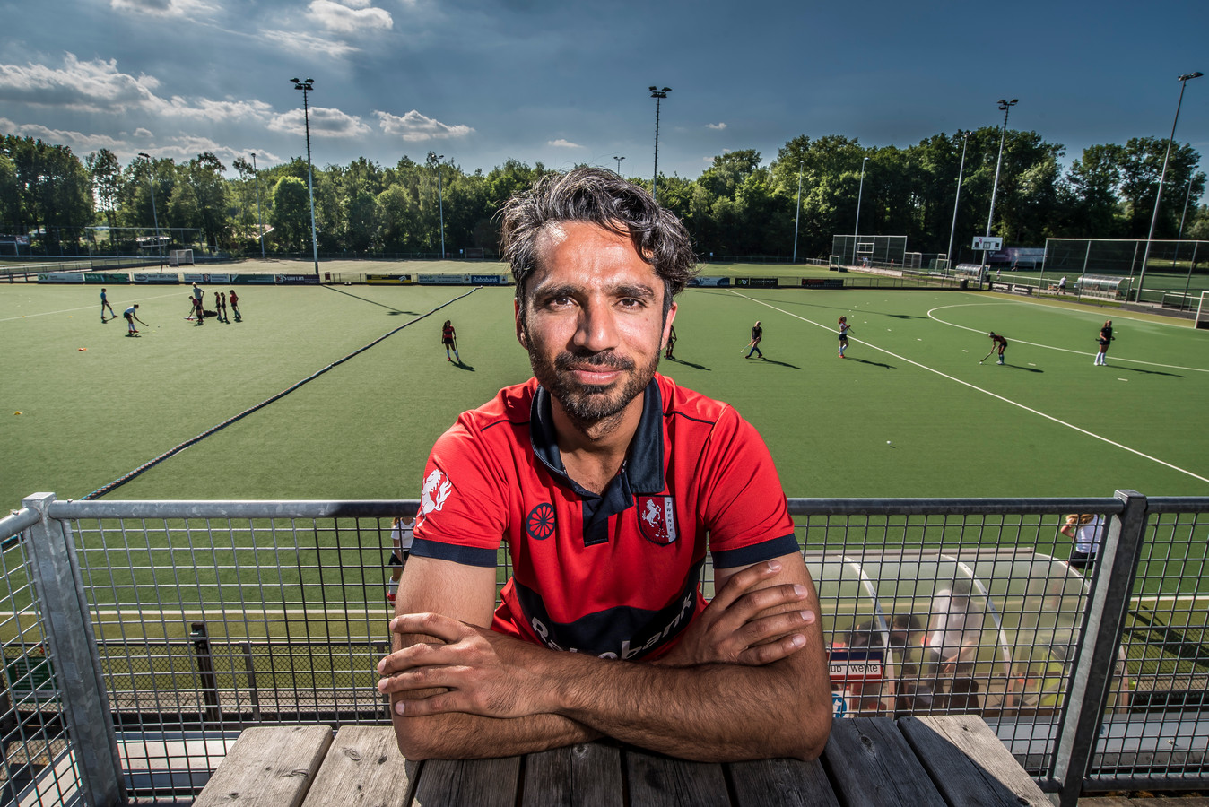 """Trainer Fareed Ahmed ontvouwt zijn plannen voor HC Twente. ,,Ik probeer alle spelers een stapje verder te brengen."""""""