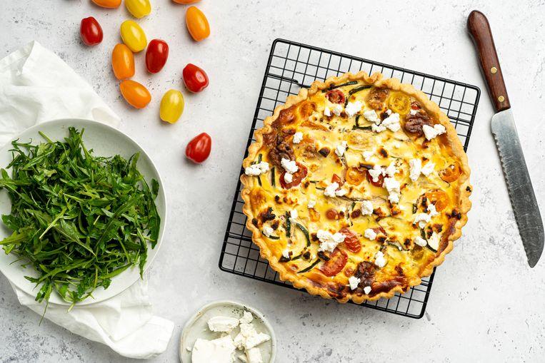 Quiche met ricotta, tomaten en geitenkaas  Beeld