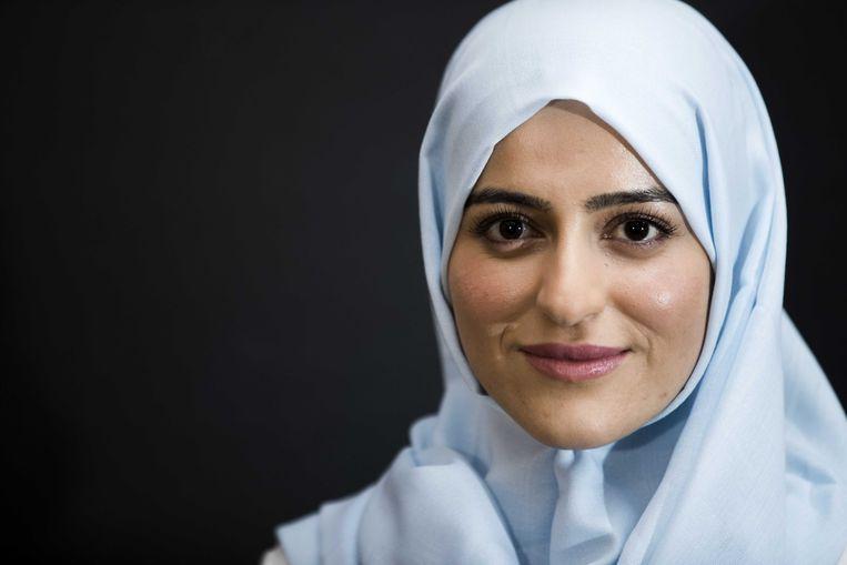 Het College voor de Rechten van de Mens heeft bepaald dat Sarah Izat tijdens haar werk een hoofddoek moet kunnen dragen als ze een uniform aan heeft.  Beeld ANP