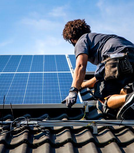 Kun je bezwaar maken tegen de komst van zonnepanelen op het dak van je buren? 'Ze tasten het monumentale karakter aan'